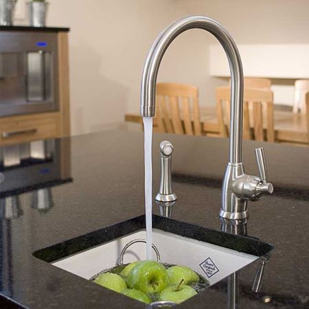 kitchen sinks taps kitchen sinks amp taps 6052