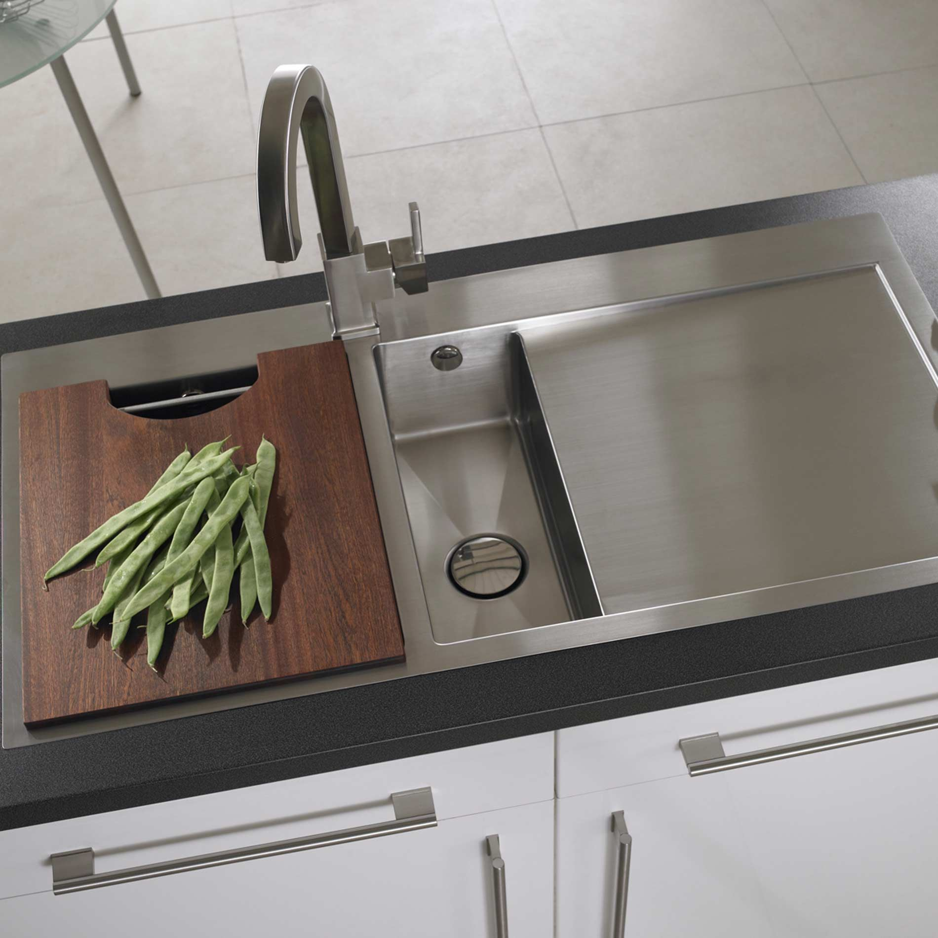 picture of vantage 1 5 stainless steel sink astracast  vantage 1 5 stainless steel sink   kitchen sinks  u0026 taps  rh   kitchensinksandtaps co uk